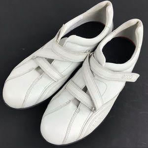 Nice comfortable sneakers
